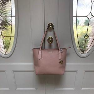 54790e449ea9ea Michael Kors Bags - NWTMichael Kors Kimberly Lg Pink Tote Bag $348